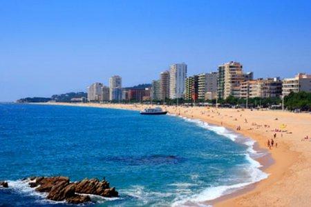 За безопасностью на испанских пляжах будут следить дроны