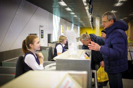 Авиакомпании привозят пассажиров в Брюссель на автобусах