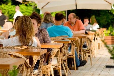 В Москве открывается сезон летних кафе